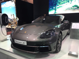 Salon Auto Expo 2018- Nouvelle Porsche Panamera hybride