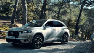 DS 7 CROSSBACK E-TENSE 4x4 : L'HYBRIDE HAUTE PERFORMANCE BY DS